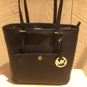 Nwt Michael Kors jet set item